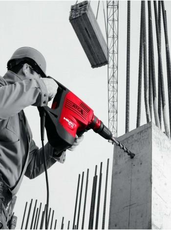 Пробивка бетонных и кирпичных стен с помощью бура диаметром 22 мм
